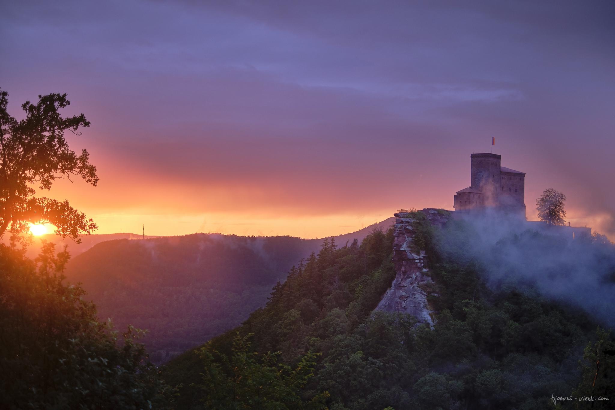 Sonnenuntergang, Pfalz, Anebos, Trifels, Annweiler, Sunset, Nebel, Fog, Sun, Sonne, Burg, Castle, Pfälerzwald
